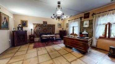 Salon w dworku Marii Konmopnickiej