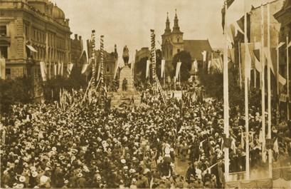 manifestacja przed pomnikiem grunwaldzkim